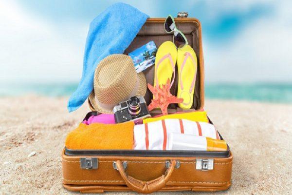 perlengkapan wajib berwisata pantai