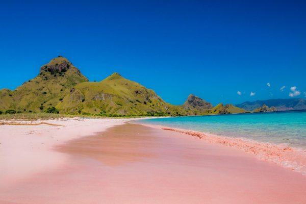 Pantai 3 Warna Di Malang