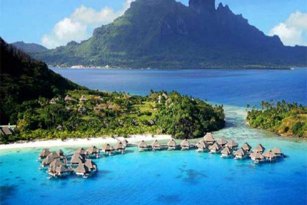 Pesona Pantai Ora Di Kota Maluku