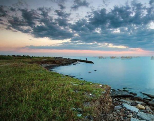 Keindahan Pantai Baruna Semarang