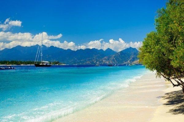 Keindahan Pantai Senggigi Lombok