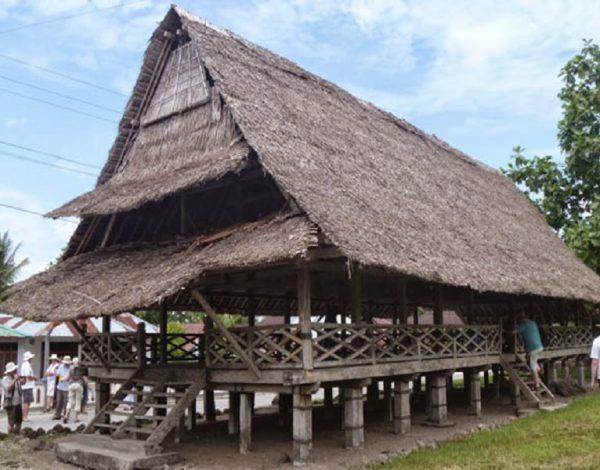 Baileo Rumah Adat Maluku