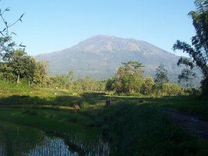Misteri Dan Sejarah Gunung Lawu