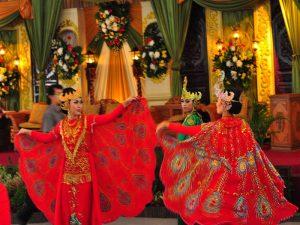 Seni Tari Terkenal Di Indonesia