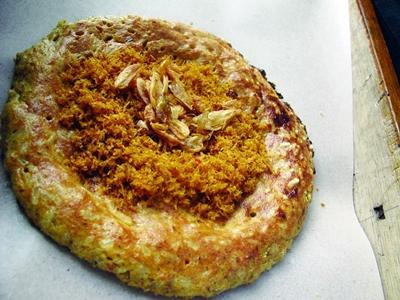 kerak-telor-makanan-khas-betawi-favorit-sandiaga-uno3