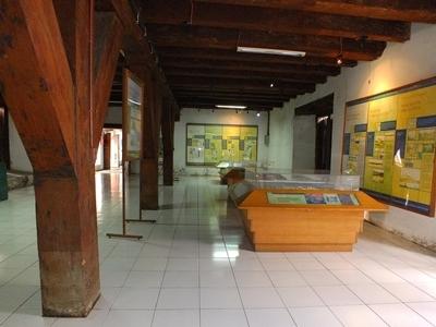 benda-bersejarah-di-museum-bahari3