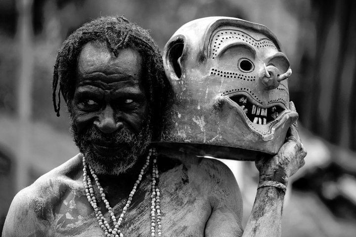Keunikan-Adat-Khas-Provinsi-Papua