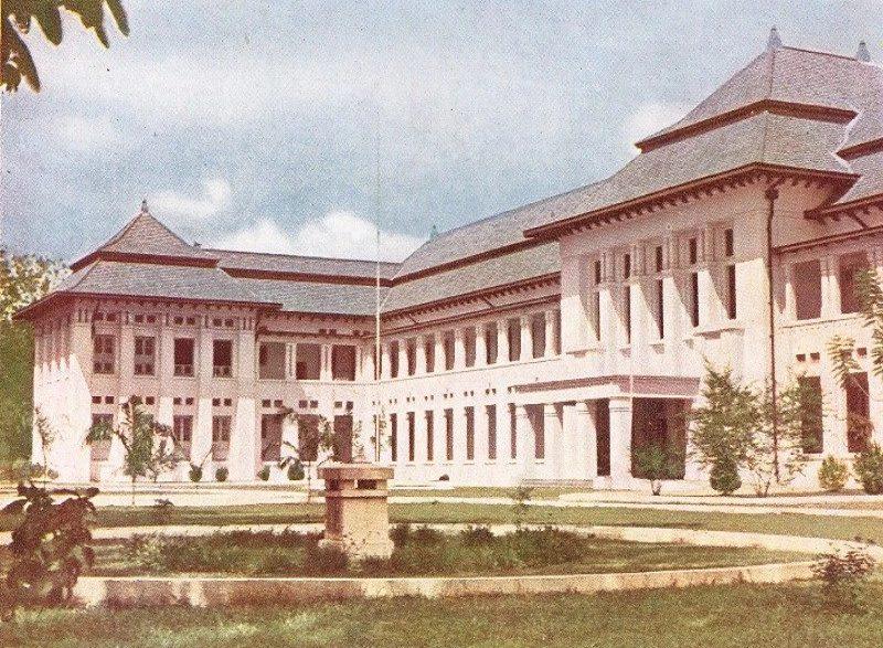 Sekolah Dokter Perintis Di Indonesia