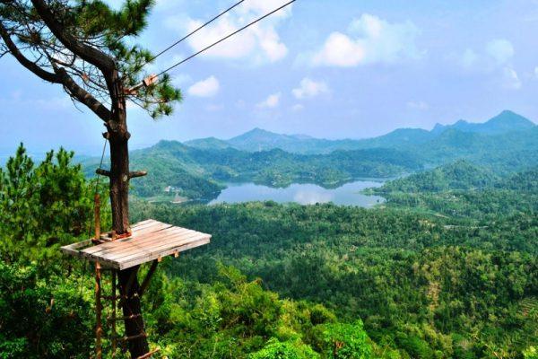 Pesona Wisata Alam Kalibiru Yogyakarta