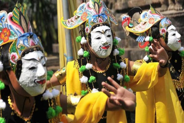 tarian-jawatimur-yang-memikat-hati-masyarakat-indonesia