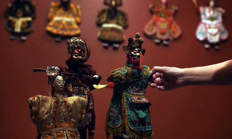 contoh-budaya-asing-yang-berkembang-di-indonesia