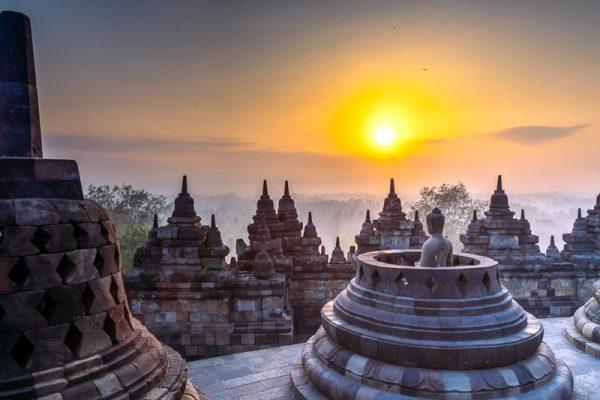 cagar-budaya-indonesia-yang-menyimpan-keunikan