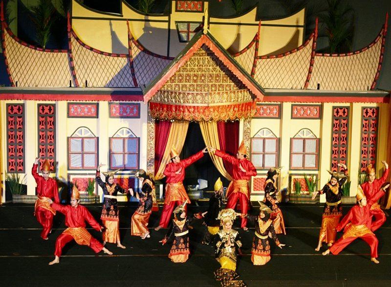 tarian-sumatera-barat-yang-jadi-ciri-khas-kesenian-tradisional