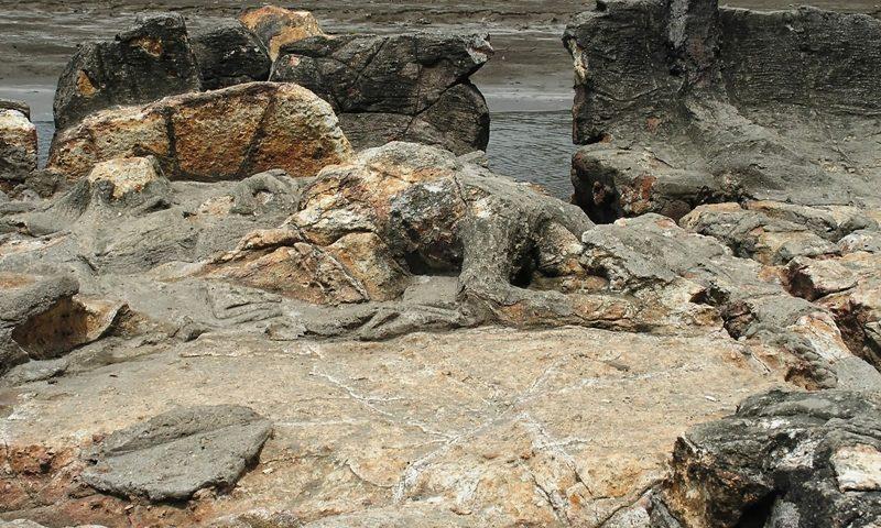diincar-bule-inilah-keindahan-spot-bersejarah-di-sumatera-barat