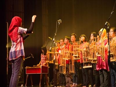 kesenian-tradisional-asal-indonesia4
